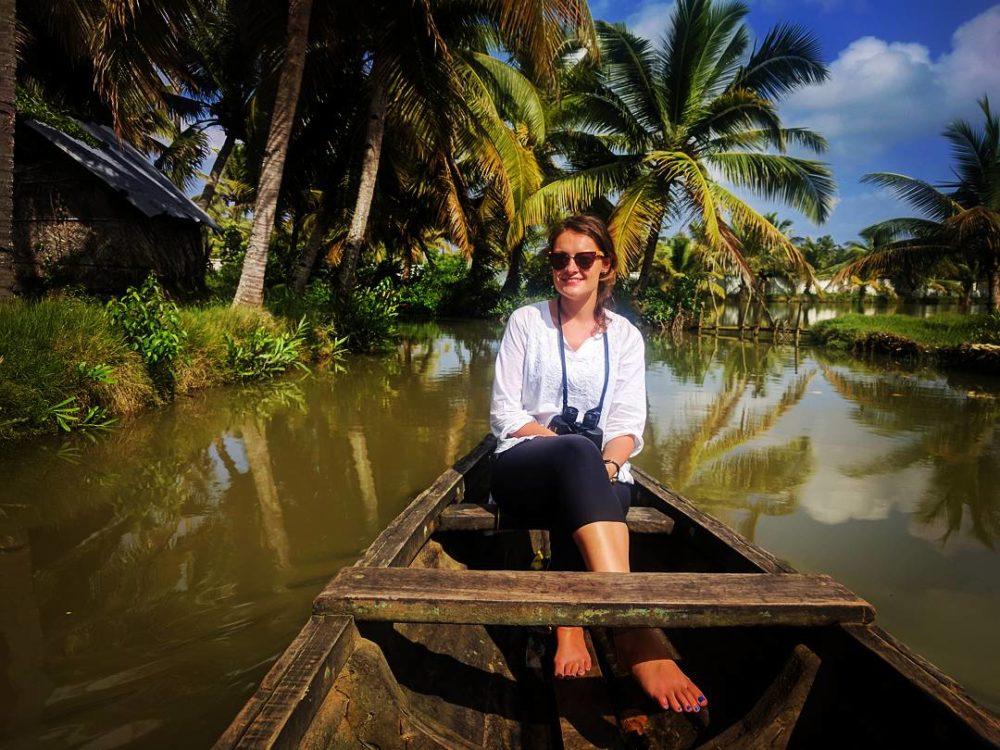 canoe ride tourist kerala
