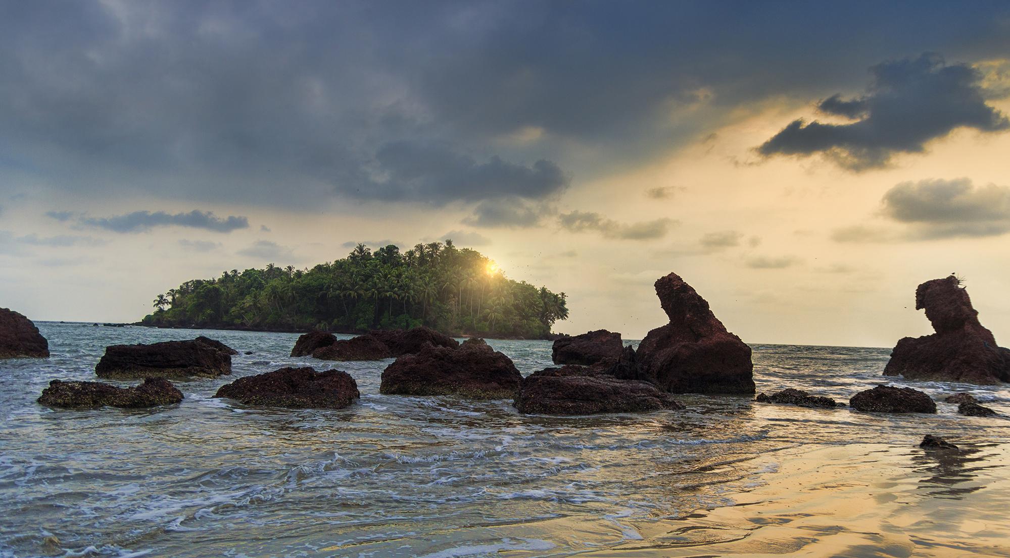dharmadam-beach