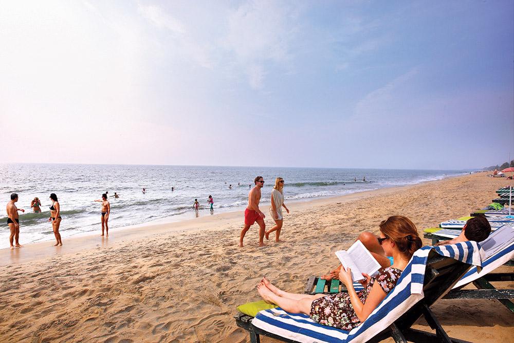 cherai beach tourists