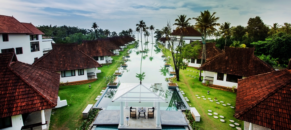 The super-sized infinity pool at Aveda Kumarakom