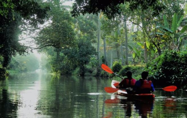 Kayaking-in-Kerala