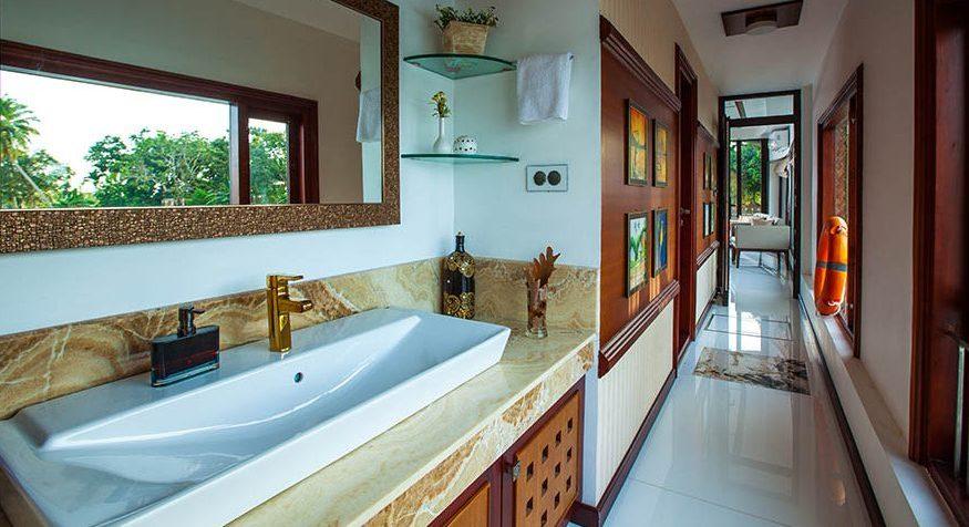 Kerala Luxury Houseboat_Blue Jelly