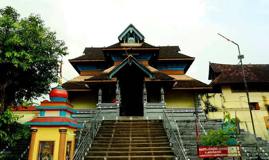 Aranmula-Parthasarathy-temple