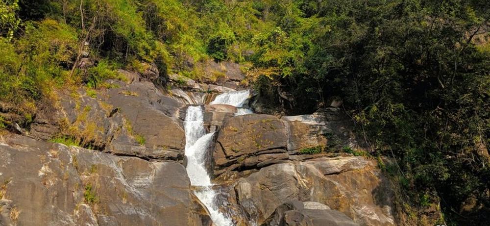 Meenmutti Waterfalls
