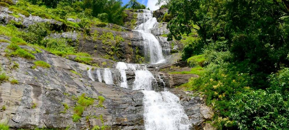 The gushing Cheeyapara Waterfalls