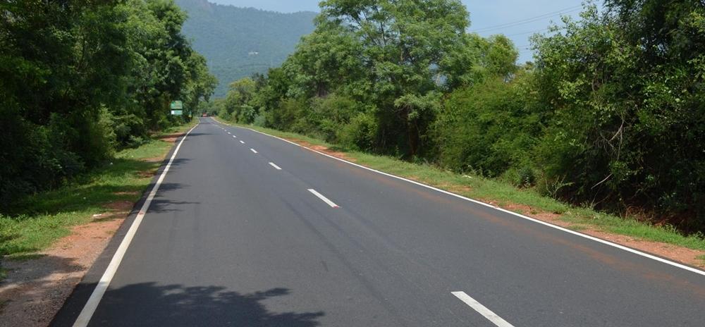 A clean road in Kerala