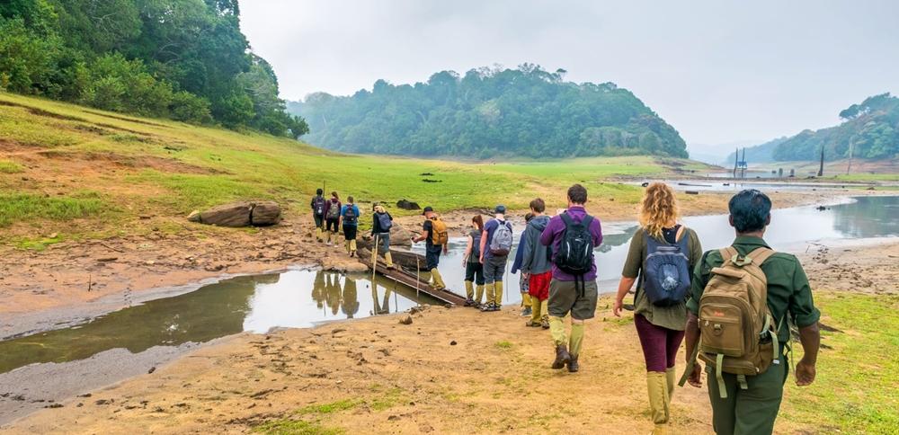 A group of trekkers beginning their Periyar trek