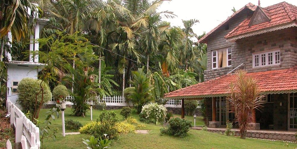 Mundackal Plantation Homestay with its beautiful courtyard