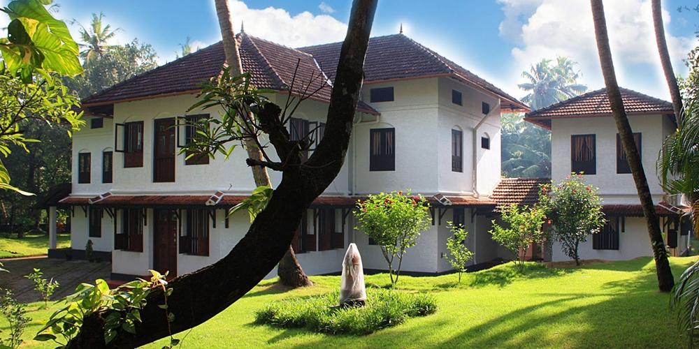 Greenery and homes at Hari Vihar