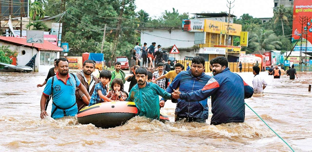 People working together during the flood