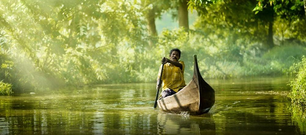 Canoeing in Kerala